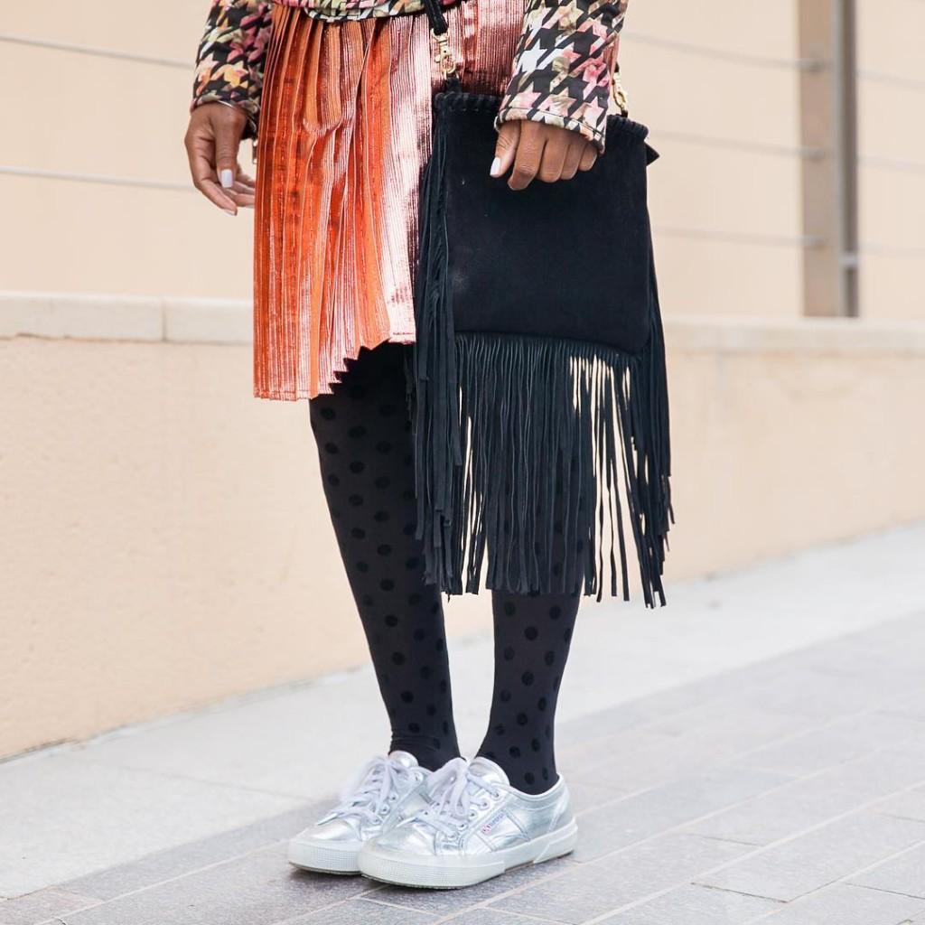 Shining! leshsmile ootd streetstyledubai stylish dubaiblogger dubaifashion dubaistreetstyle fblogger fashionista