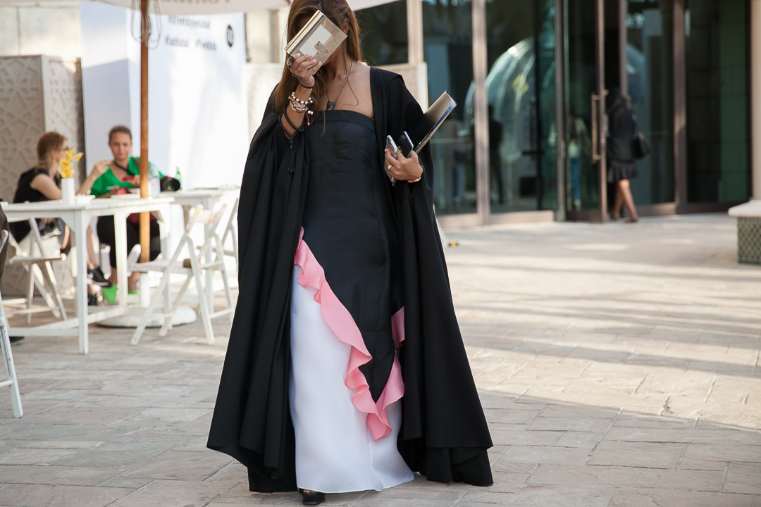 Abaya Street Style Sand In The City