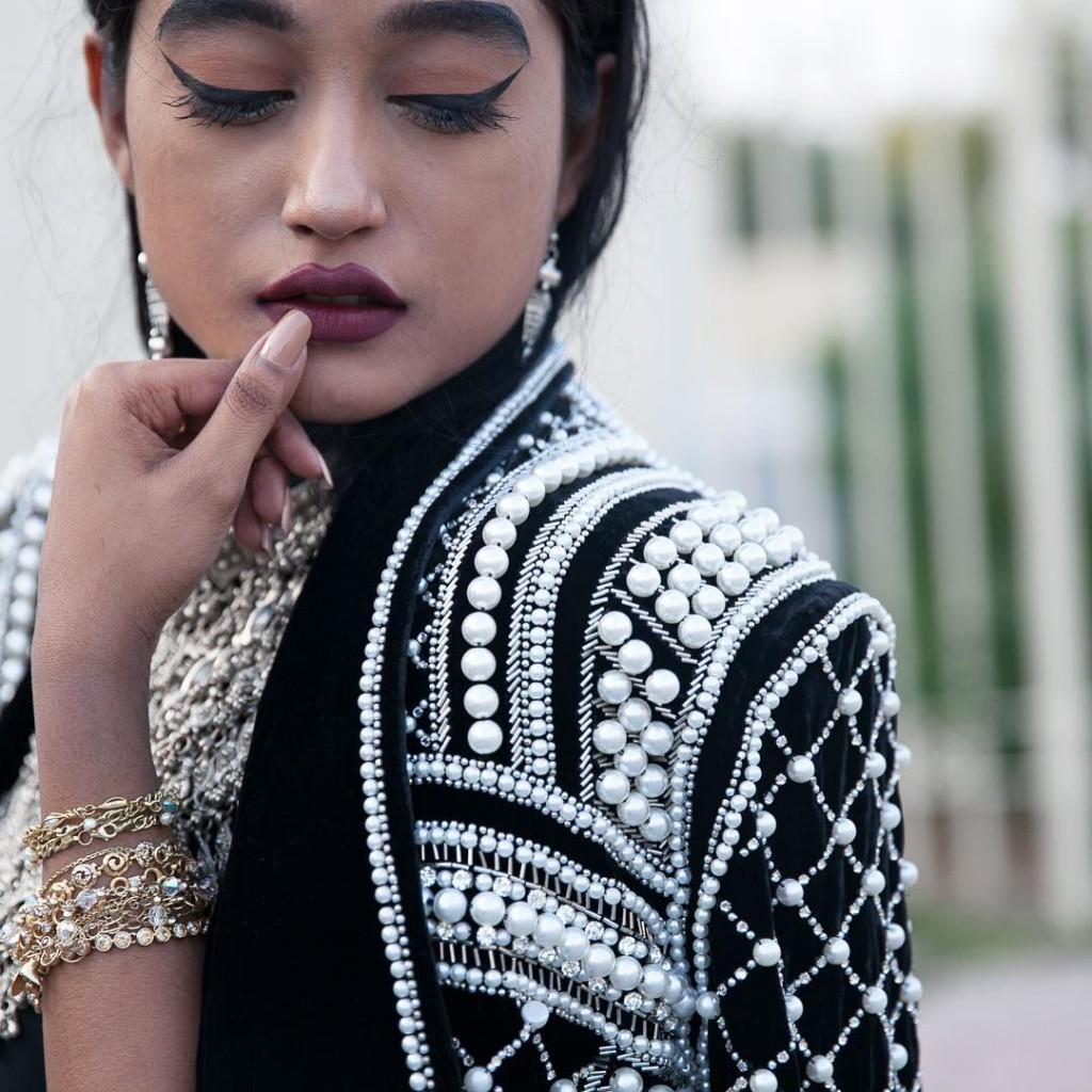 Details embroidery dubaiblogger dubaifashionblogger streetstyle dubaistreetstyle jewellery jewelry fashion stylishhellip